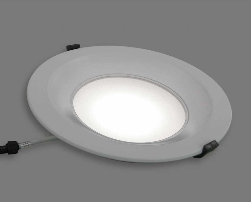 LED-Downlight an schraeg